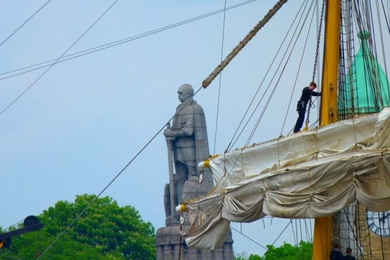 monument ship sailing vessel