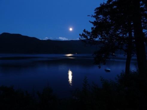 moon moon shine canim lake
