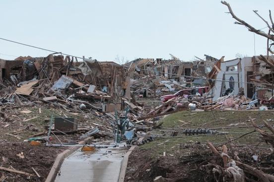 moore oklahoma tornado