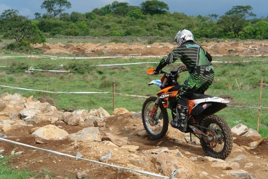 motocross traverse field competition