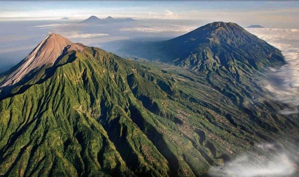 mount merapi volcano indonesia