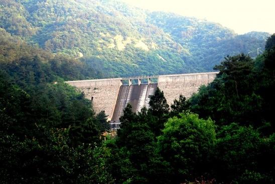 mountain dam 2