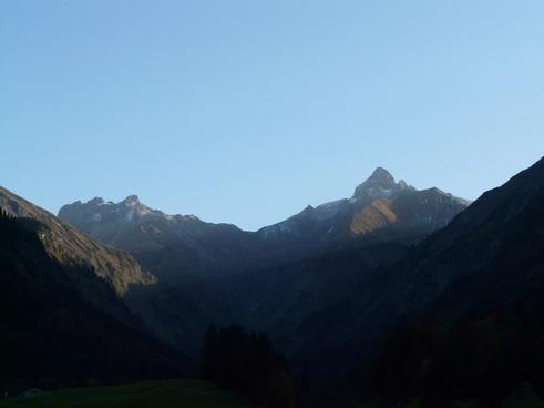 mountains trettach scratches