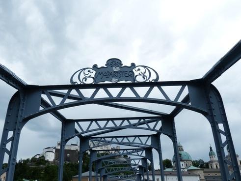 mozartsteg bridge web