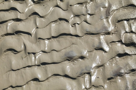 muddy sand waving structure rainy day
