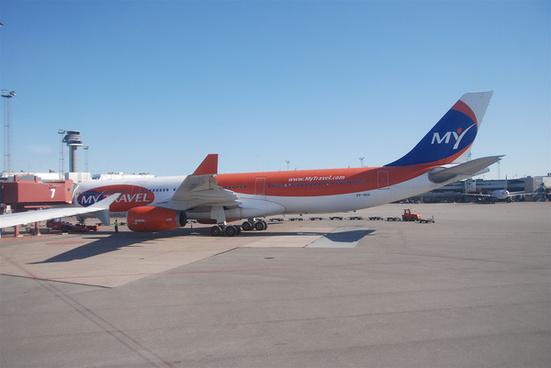 mytravel airways airbus a330 300 oy vkharn02072010578ar