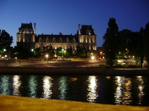 night at the seine paris