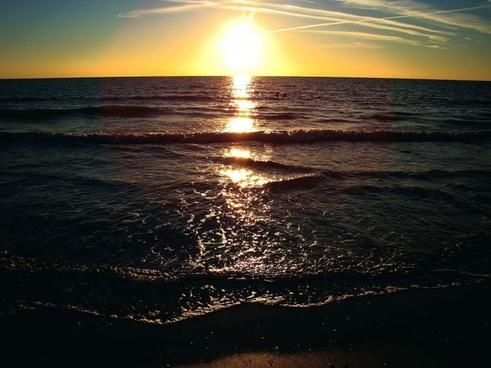 ocean wave swim