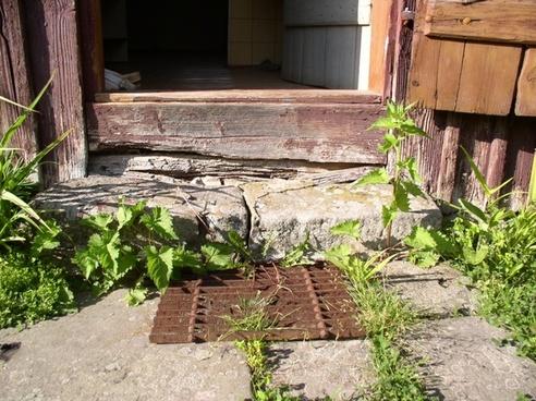 old home door mat