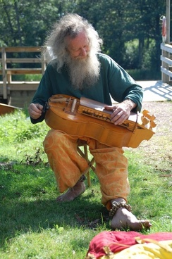 old man musician fiddler
