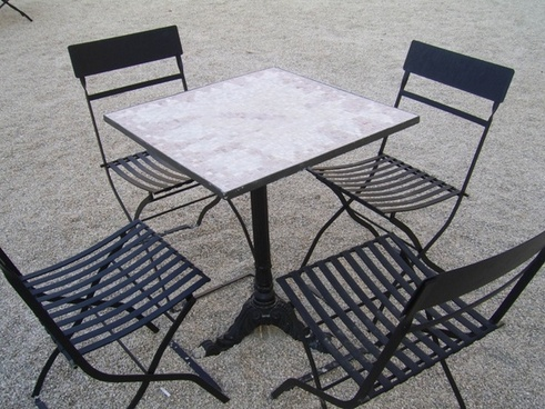 outside table chairs