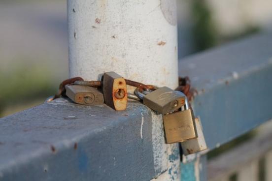 padlocks rust love