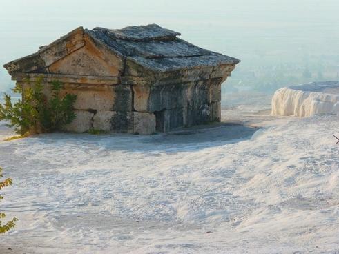 pamukkale tomb sarcophagus