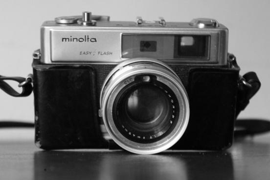 paparazzo minolta camera