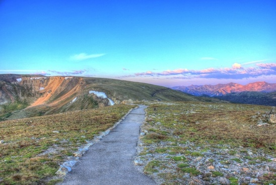 path to the alpine lookout at rocky mountains national park colorado