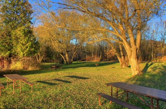 picnic area at kettle moraine north wisconsin