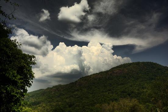 pico de loro mountain and clouds