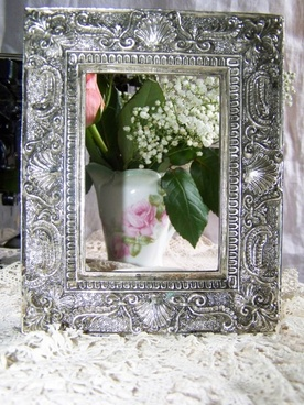 picture frame silver vibrating