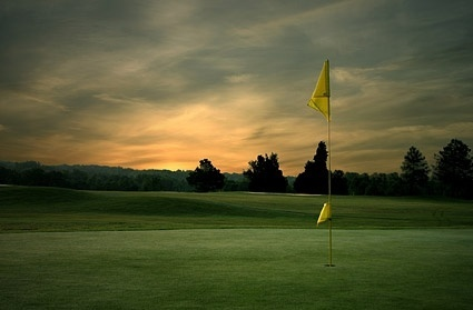 picture of the evening under the golf course