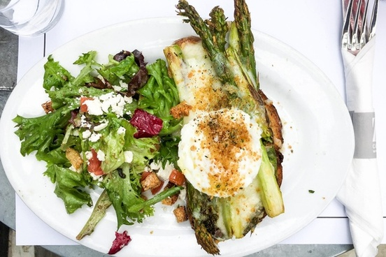 plate of salad and asparagus