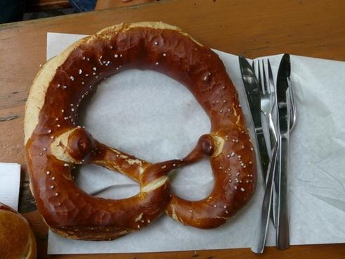 pretzel pastries pastry form