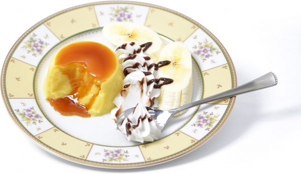 pudding with whipped cream
