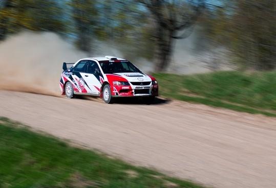 racing dust road