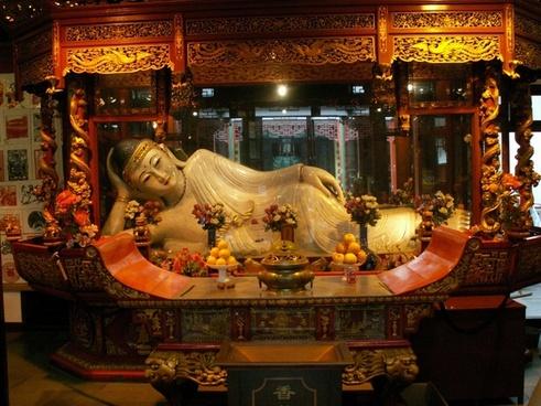 recumbent buddha statue