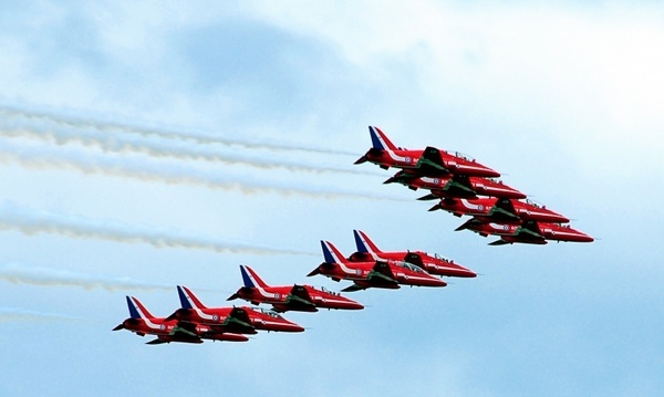 red arrows united kingdom farnborough air show