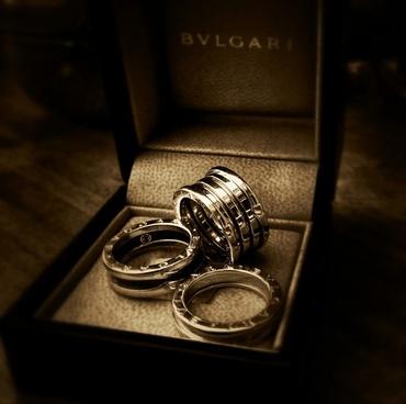 ring luxury black white
