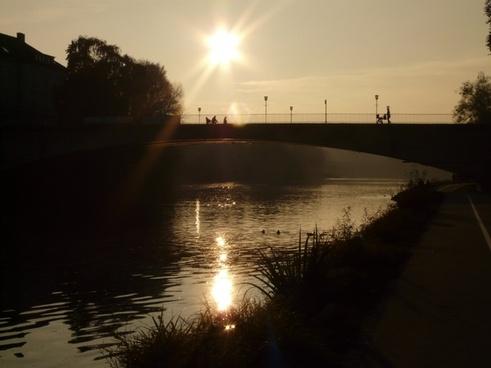 river bridge web