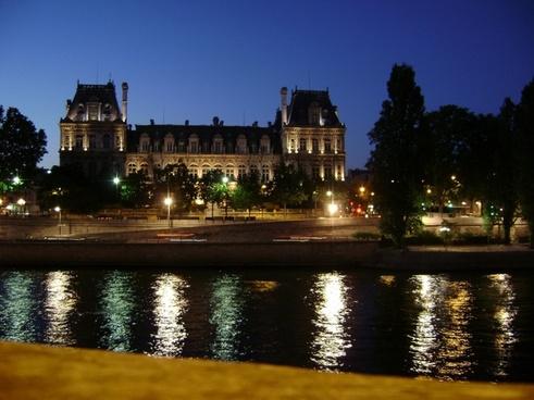 river paris night