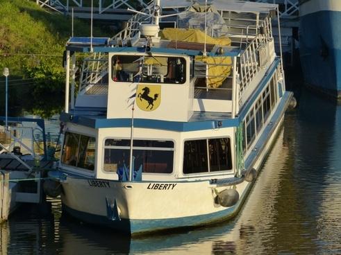river ships neckar