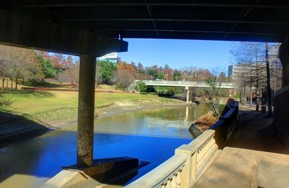 river under the bridge in houston texas