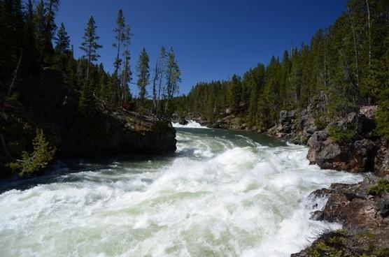 river upper falls yellowstone
