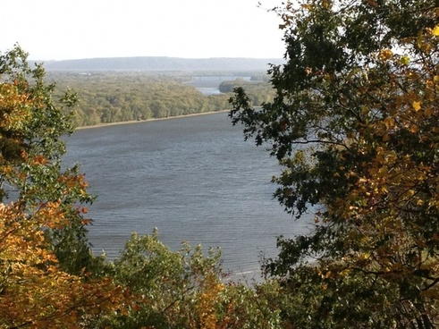 river view at effigy mounds iowa