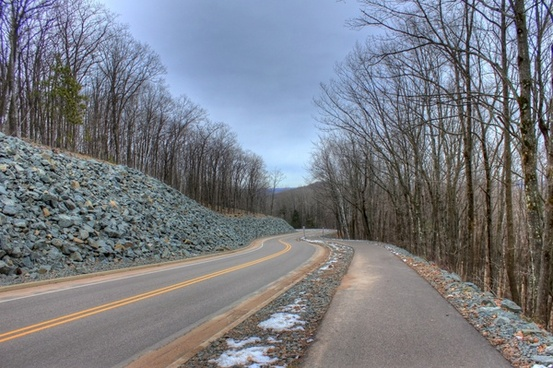 road down the mountain at rib mountain state park wisconsin