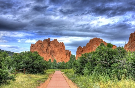 road to the rocks of the gods at garden of the gods colorado