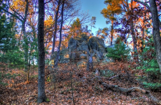 rock cropping from afar at roche a cri state park wisconsin
