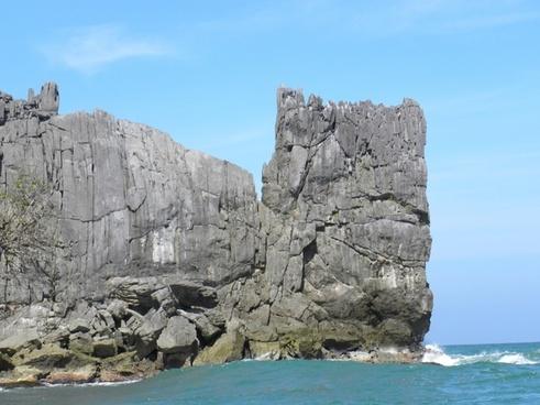 rock sea stone