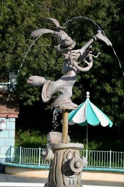 roger rabbit statue