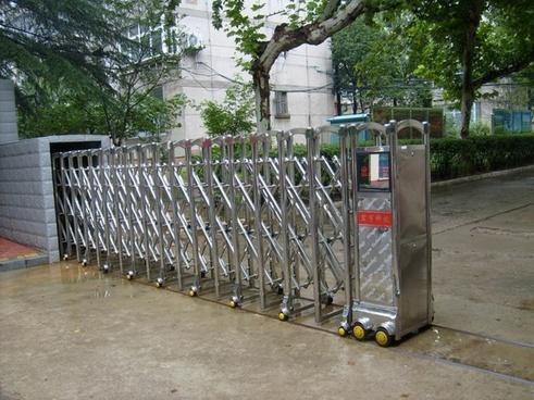 rolling gate