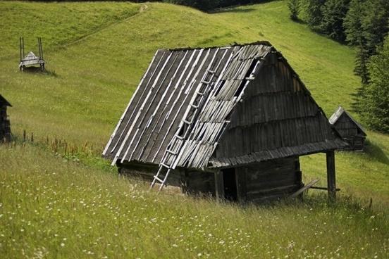 romania meadow chalets