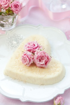 romantic heartshaped cake hd picture