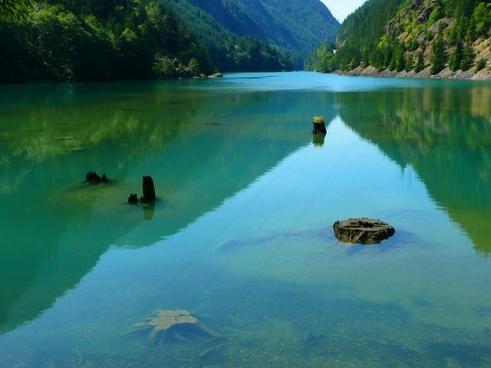 ross lake cascades washington