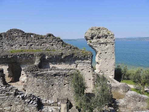 ruin rock castle