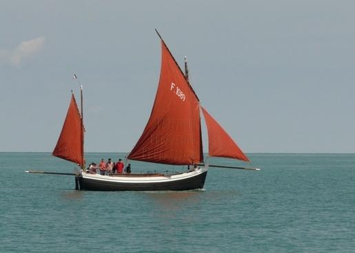 sailing boat etretat normandy