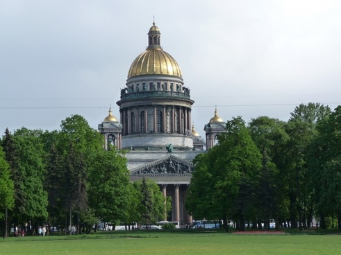 saint-petersburg st isaac's cathedral summer