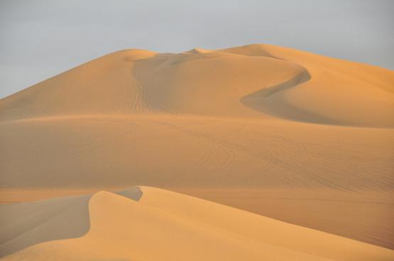 sand dunes huacachina peru