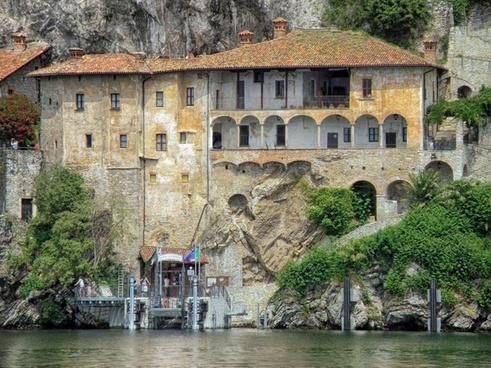 santa-caterina-del-sosso italy monastery